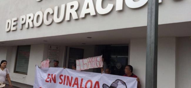 Clausuran periodistas vicefiscalía en la zona norte de manera simbólica