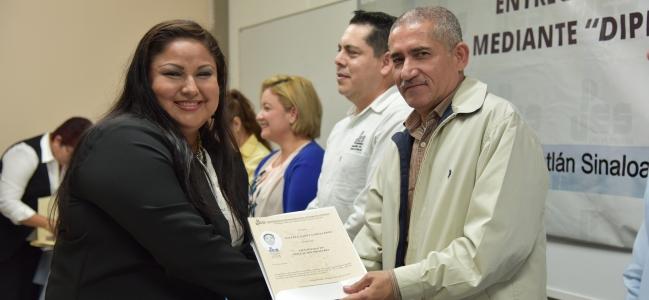La UPES está formando Profesores de alta calidad: Rector Cárdenas